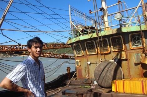 Vụ 18 tàu vỏ thép hư hỏng nặng: Nghịch cảnh tàu gỗ 'nuôi' tàu thép