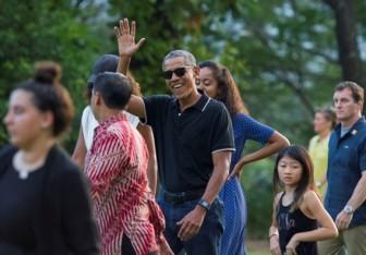 Gia đình Barack Obama tận hưởng kỳ nghỉ ở cố hương