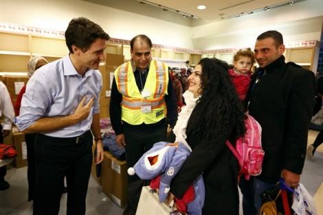 Thủ tướng Canada rơi nước mắt khi hội ngộ với người tị nạn Syria