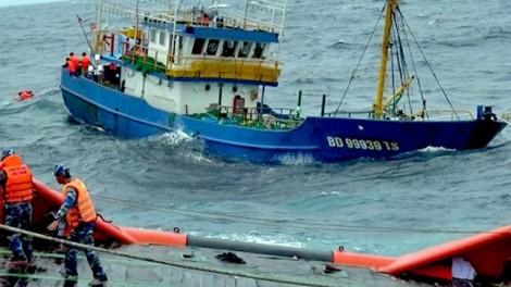 Vụ 18 tàu vỏ thép hư hỏng: Khi người đúng phải thỏa hiệp với cái sai!