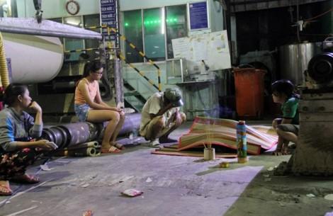 Người nhà vây công ty giấy vì nam công nhân tử vong bất thường