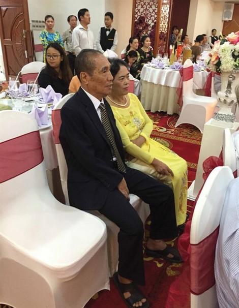 Ra mắt tự truyện Nguyễn Ngọc Ký: Ngỡ đâu là... đám cưới