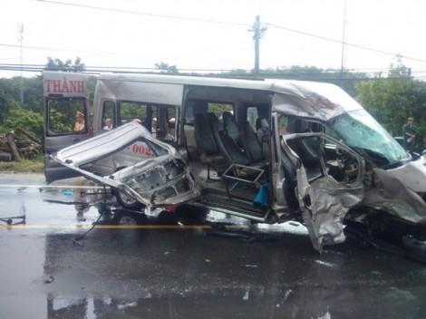 Vụ tai nạn giao thông khiến 16 người thương vong tại Kon Tum: Khám, điều trị miễn phí cho  24 người phơi nhiễm HIV