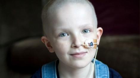Người mẹ không rời xác con gái mất vì ung thư suốt 3 tuần