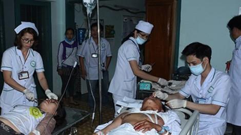 Thêm 12 người nghi phơi nhiễm HIV trong vụ cấp cứu nạn nhân tai nạn giao thông ở Kon Tum