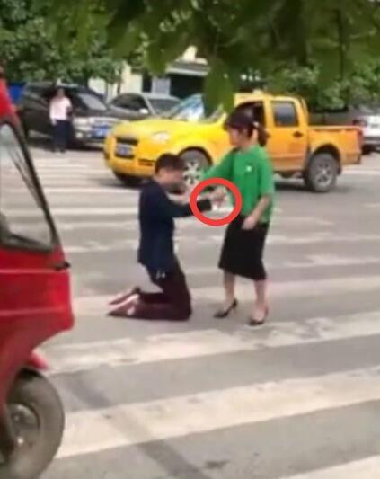Cai ket thuong tam cua nguoi dan ong 9 nam van tham yeu vo cu
