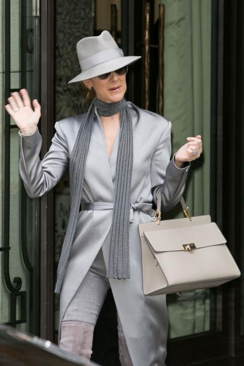 Celine Dion dien trang phuc 'an gian tuoi' U50 nhu the nao?