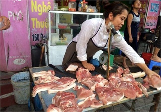 Trung Quoc nhan ban thanh cong heo bang robot, nong dan Viet Nam them lo