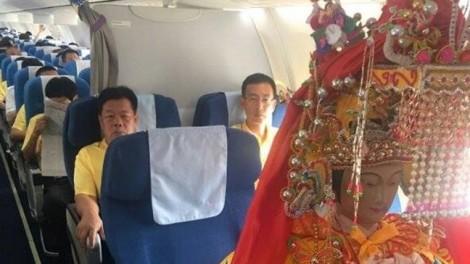 Tượng thần Trung Quốc ngồi vé hạng thương gia đến Malaysia