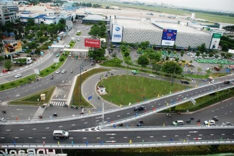 Cầu vượt thép 'giải cứu' kẹt xe cửa ngõ sân bay Tân Sơn Nhất thế nào?