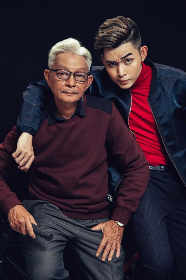 Bo Jun Pham buon ba truoc phan ung tieu cuc cua khan gia danh cho con trai