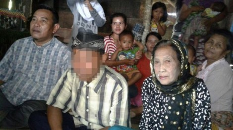 Chàng trai 16 doạ tự sát nếu không cưới được vợ 70 tuổi