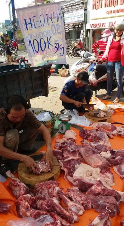 100.000 đồng/3-4 kg thịt heo: 'Thấy thì thương, mua lại sợ'