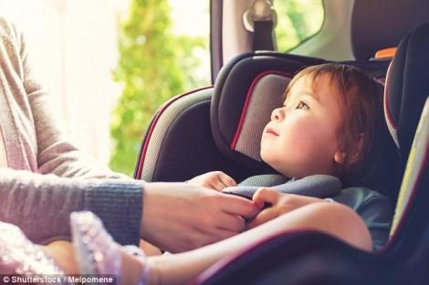 Người mẹ không thể tha thứ bản thân vì quên con trên xe