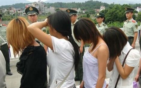 Muốn kiếm 100 triệu phụ giúp cha mẹ, 'sơn nữ' bị lừa bán sang Trung Quốc