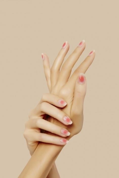 Tạp chí Elle 'mách nước' 5 mẫu móng đẹp mê mẩn cho tay xinh