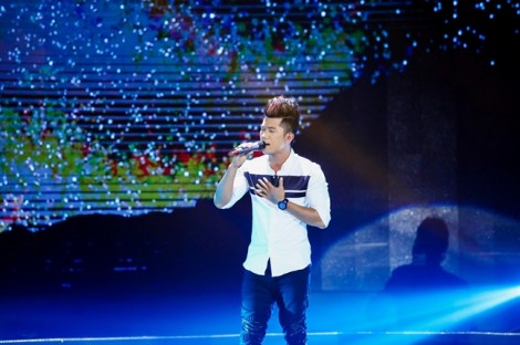 Thái Châu chỉnh Lương Bằng Quang vì thái độ ngạo mạn trên sân khấu