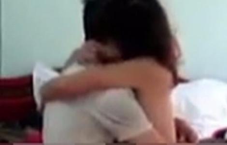 Người thân phát hiện con gái 16 tuổi bị thanh niên giao cấu khi xem clip