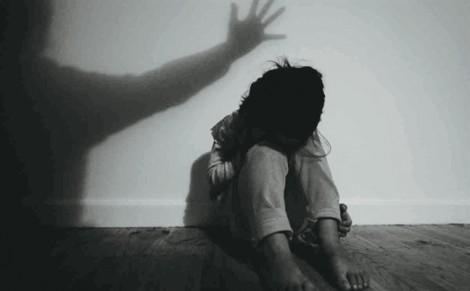Con bị xâm hại, mẹ dung dưỡng cho kẻ ác vì đó là em mình