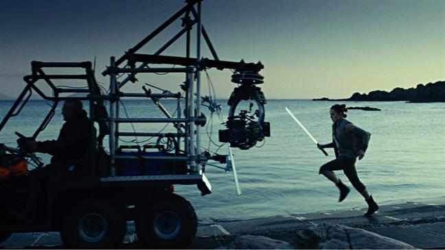 Xuat hien hinh anh dau tien cua Ngo Thanh Van trong bom tan 'Star Wars'