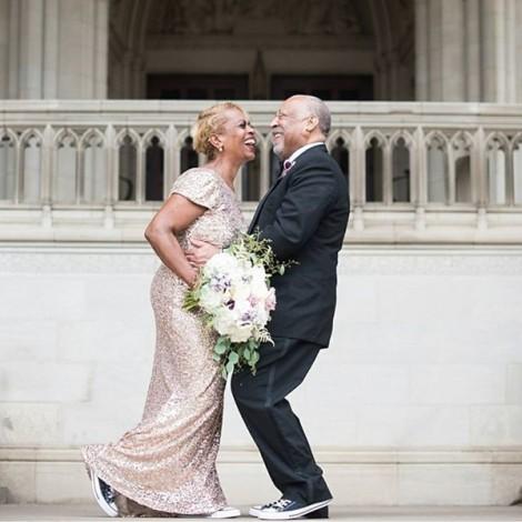 """Mất hết ảnh cưới trong một đám cháy, cặp vợ chồng này đã được """"đền bù"""" bằng một món quà trên cả tuyệt vời"""
