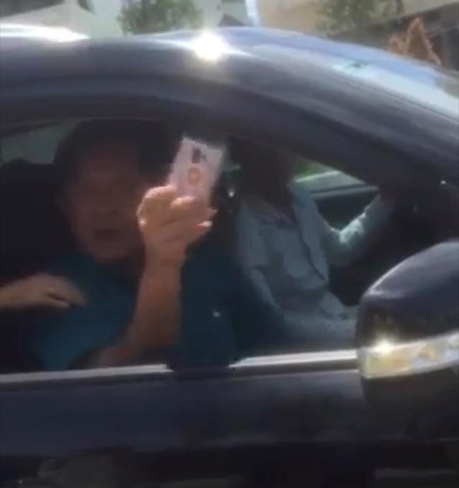 Vu trung tuong chui CSGT: Tuong Liem khang dinh nguoi ngoi tren xe khong phai la... 'bo nhi'