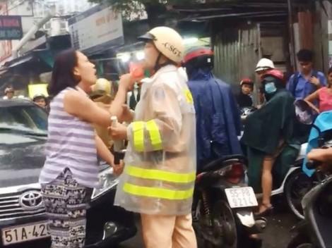 Chửi mắng cảnh sát giao thông, cái sai đến từ đâu?