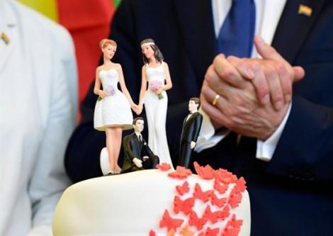 Singapore hủy hôn nhân khi người chồng chuyển giới