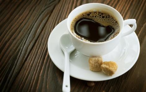 Máu não giảm mạnh sau khi con người uống cà phê
