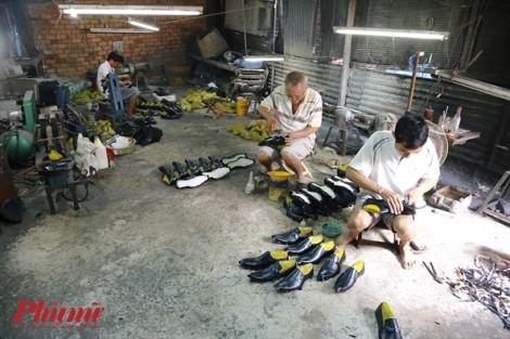 Xưởng giày của ông lão 66 tuổi tồn tại hơn 50 năm ở Sài Gòn