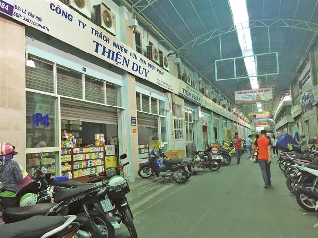 Thuoc gia ban cong khai tai cho thuoc lon nhat Sai Gon