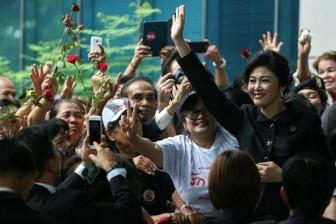 'Bông hồng Thái Lan' đứng trước sóng gió khi bước vào tuổi 50