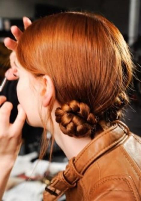 Tóc búi thấp: Trào lưu mới của các cô nàng Pháp