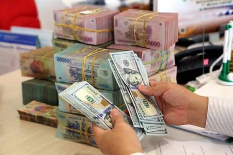 Người nước ngoài được gửi tiền tại Việt Nam: cần có thêm quy định về rút tiền?