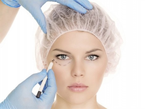 Vì sao 70% phái đẹp muốn phẫu thuật thẩm mỹ?