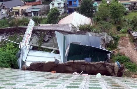Cụ ông 81 tuổi thoát nạn hy hữu trong ngôi nhà đổ sập ở Đà Lạt