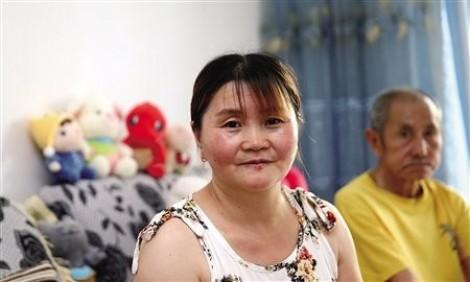 Người phụ nữ quyết mang theo bố chồng bị bệnh để chăm sóc khi tái giá