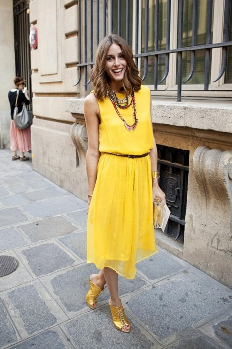 Cách phối trang phục màu vàng không sến sẩm