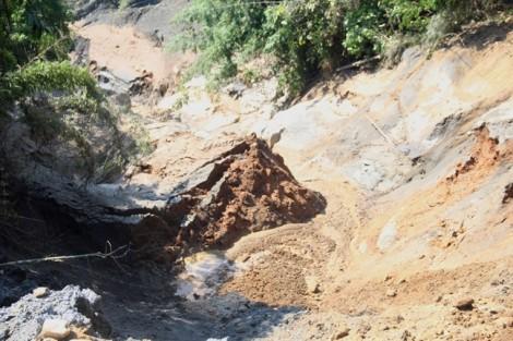 Phạt công ty để vỡ đập chứa bùn thải thiết hơn 1 tỷ đồng