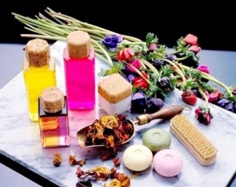 Sản phẩm trị thâm mụn tốt nhất dành cho da nhạy cảm