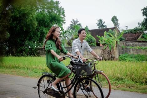 MC Phan Anh bồi hồi nhớ tuổi thơ nghèo nhưng yên bình