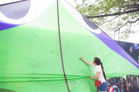 Thả diều khổng lồ ở Công viên văn hóa Đầm Sen