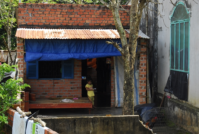 Nguoi dan song canh nha rach nat 12 nam cho du an san bay quoc te Long Thanh