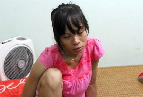 Vụ nổ làm 6 người chết ở Lào: Vợ mang bụng bầu 7 tháng khóc ngất bên thi thể chồng gặp nạn