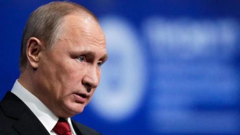 Điều gì giấu đằng sau những nụ cười của Putin và Trump?