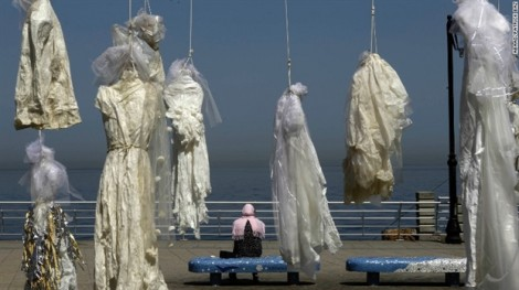 Luật 'cưới nạn nhân' để chạy tội hiếp dâm và chiếc váy cưới vấy máu ở Jordan