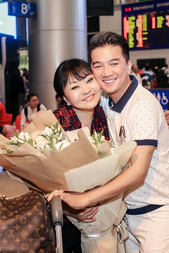 Dam Vinh Hung, Huong Lan hoa giong de ton vinh nghe si san khau tai hoa mien Nam