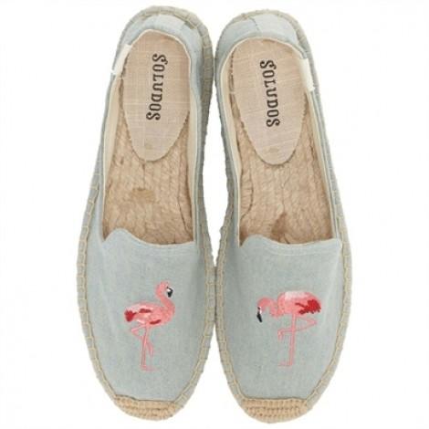 Gợi ý kiểu giày đi du lịch mùa hè giúp nàng thoải mái đến mọi nơi