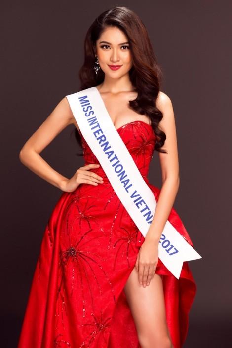 Á hậu Thuỳ Dung đại diện Việt Nam tham gia Hoa hậu Quốc tế