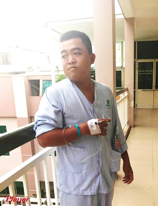 Bi cat tui mat, hiep si duong pho Nguyen Viet Sin van khong bo chuyen bat cuop